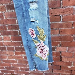 Rose Patch Distressed Jeans